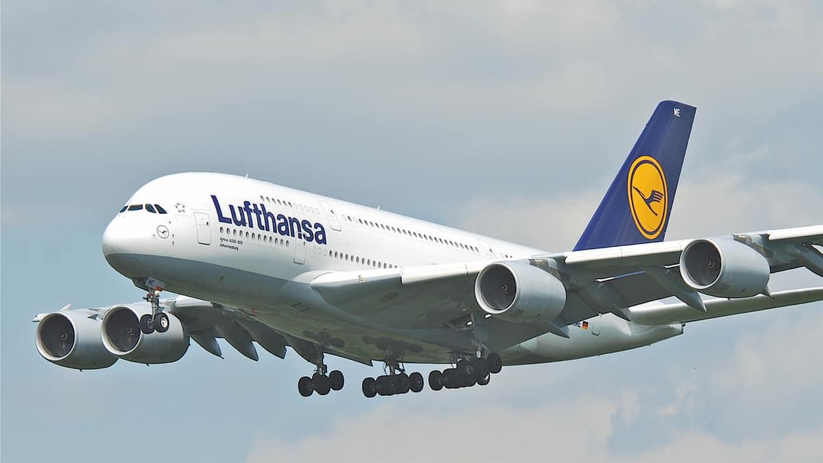 Lufthansa відновить польоти в Україну у червні